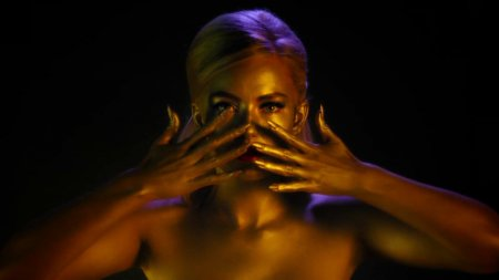 Astrid S - Breathe (2017)