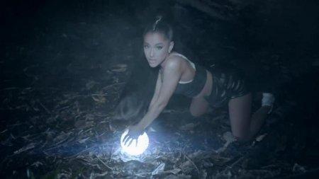 Ariana Grande ft. Nicki Minaj - the light is coming (2018)